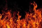 燃える、火